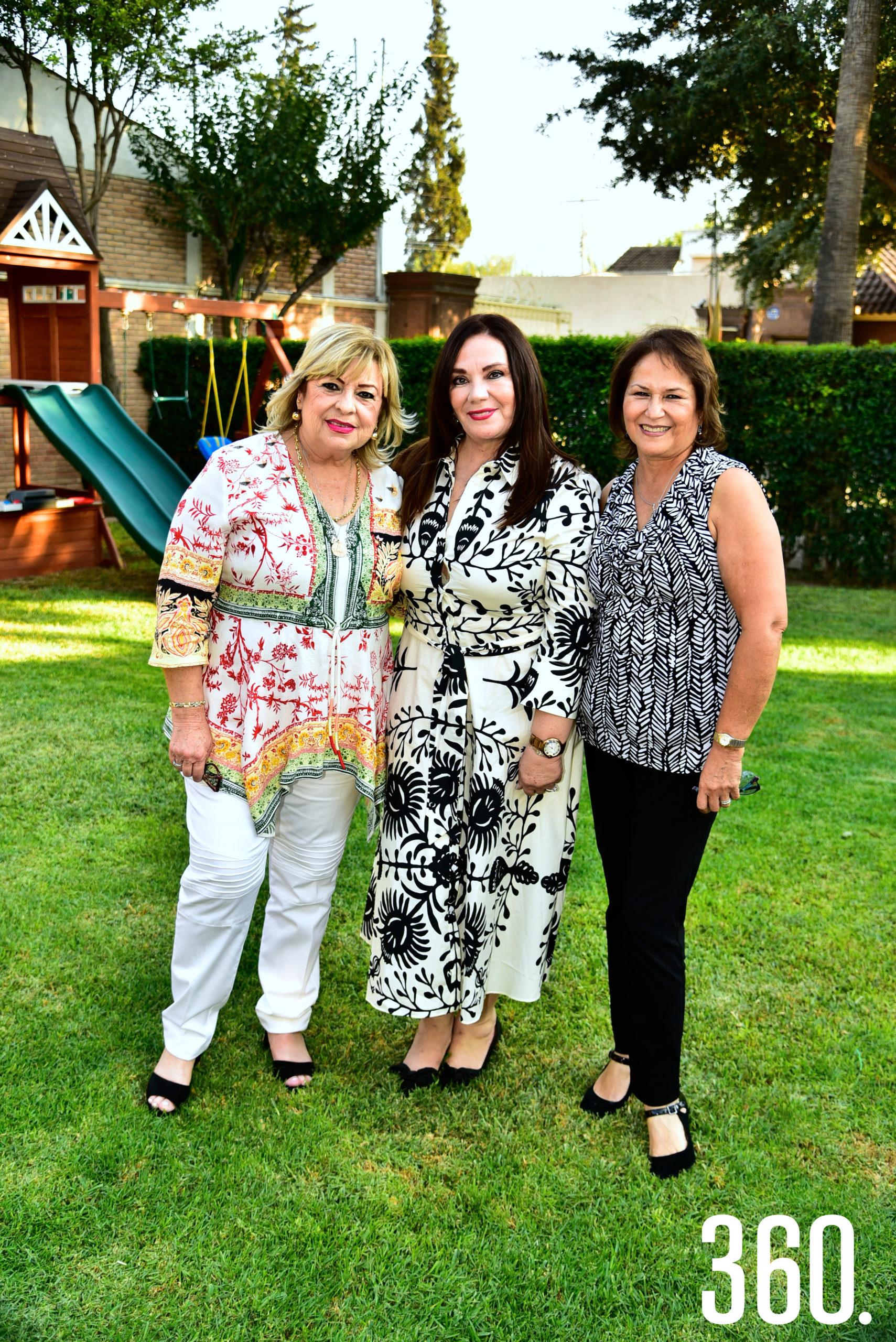 Clelia Villarreal, Lorena Valdés y Diana Urteaga.