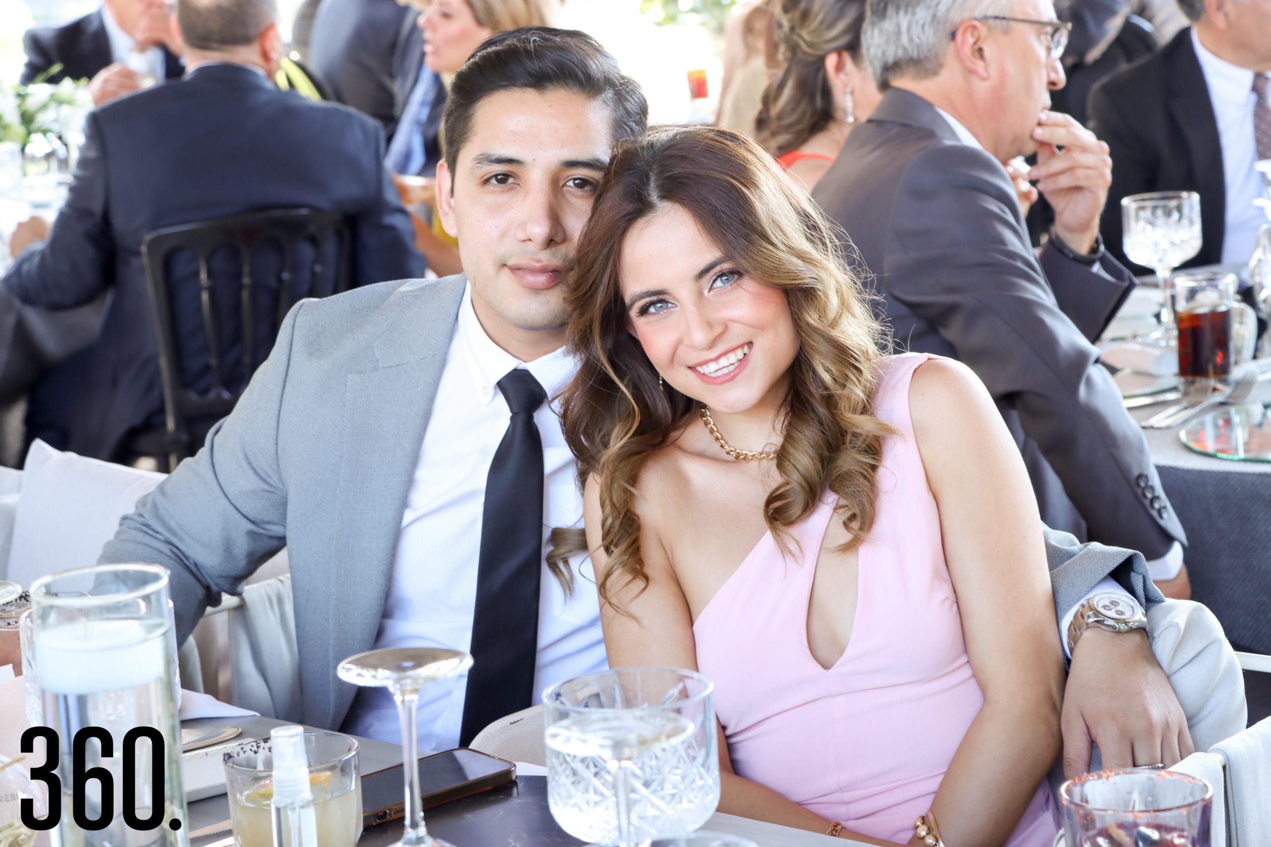 Carlos González y Elizabeth Cabello.