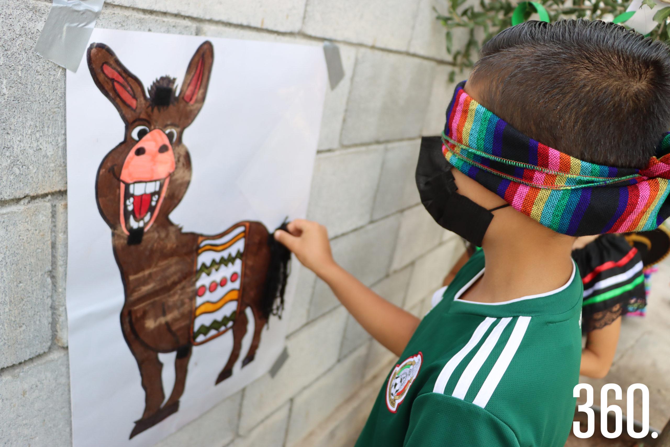 César Chávez le puso la cola al burro.