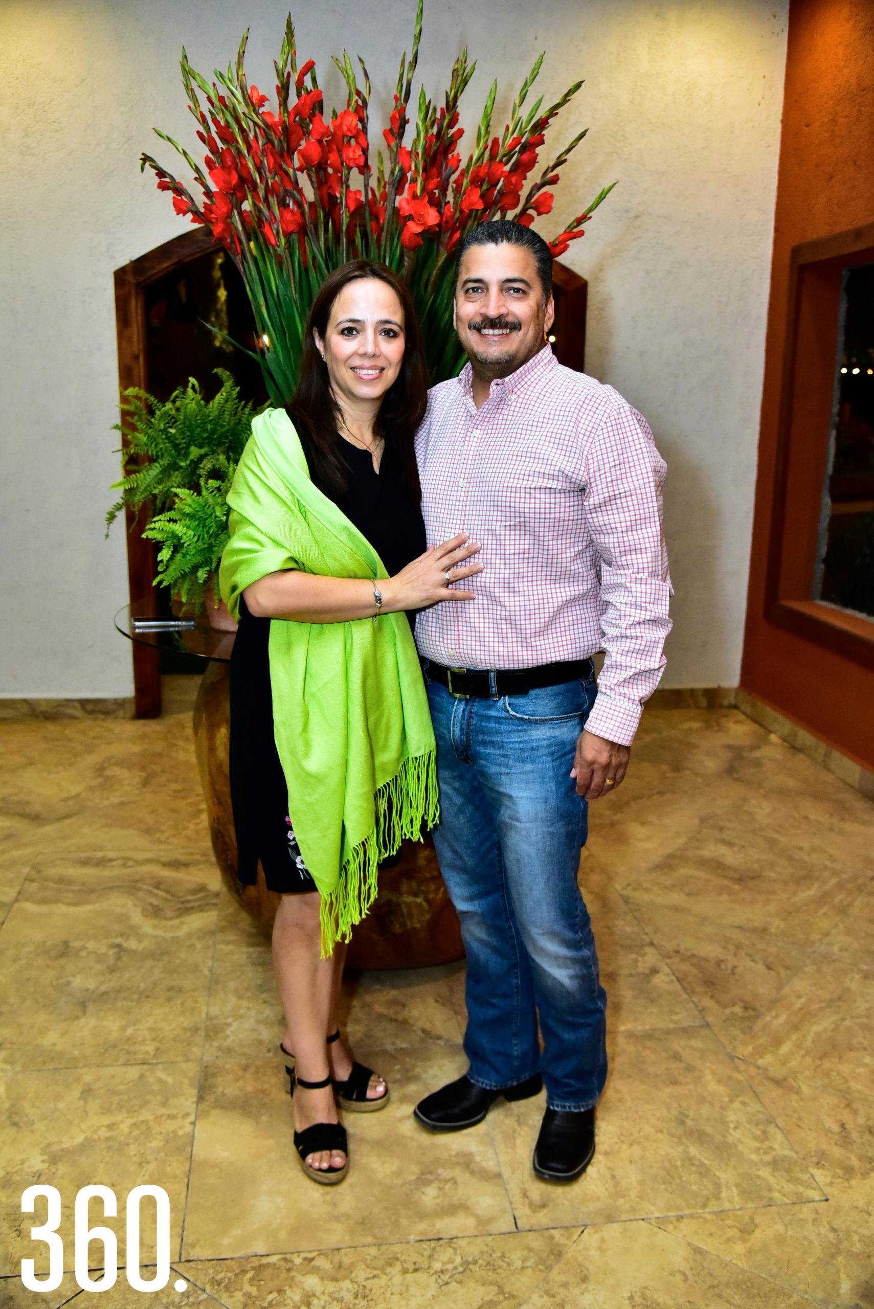 Liliana Tovar y Salvador Recio.