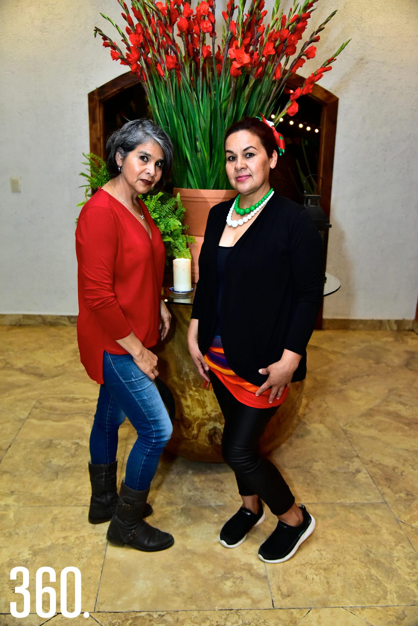 Adela Martínez y Esther Martínez.
