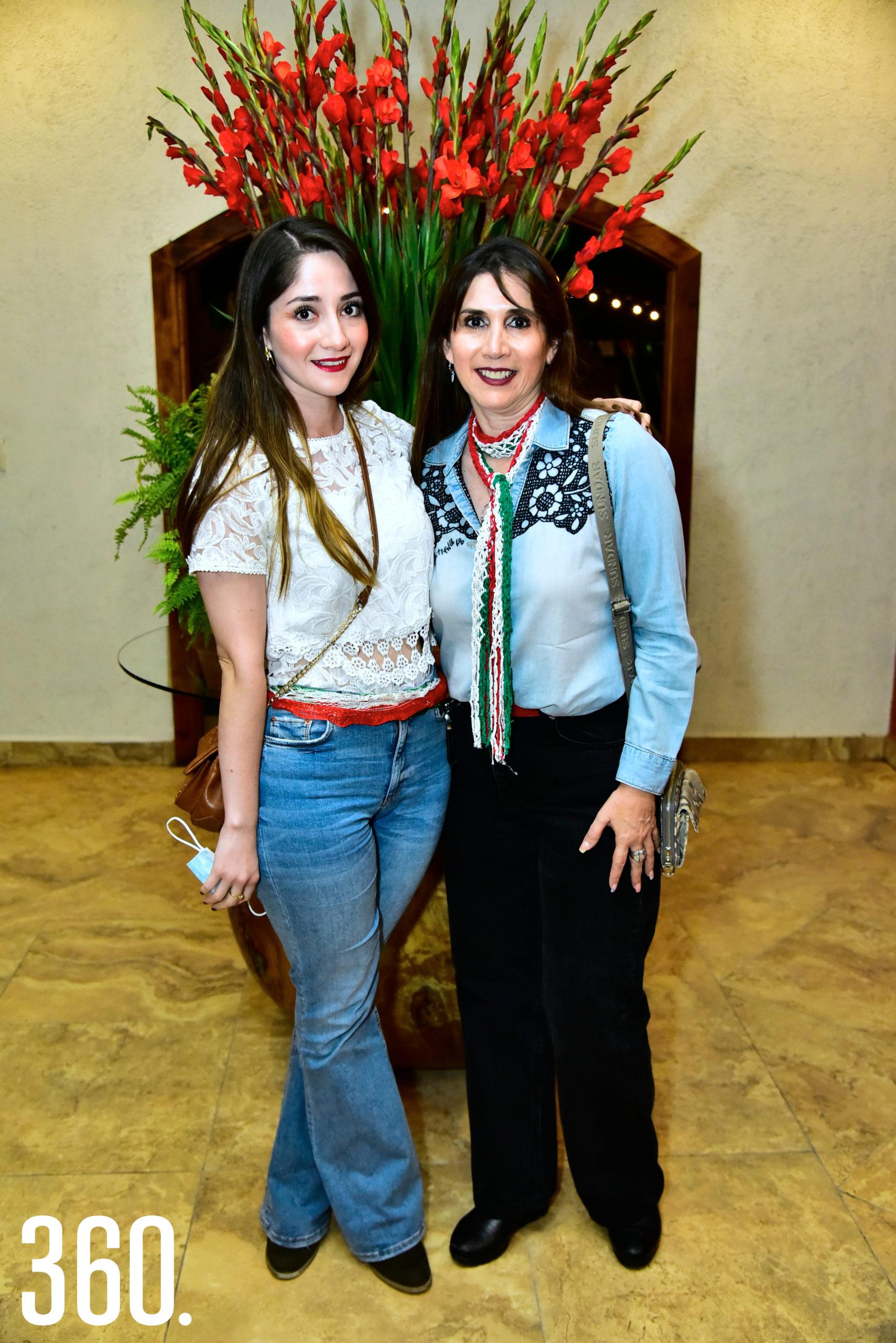 Victoria González y Leticia Valdés.
