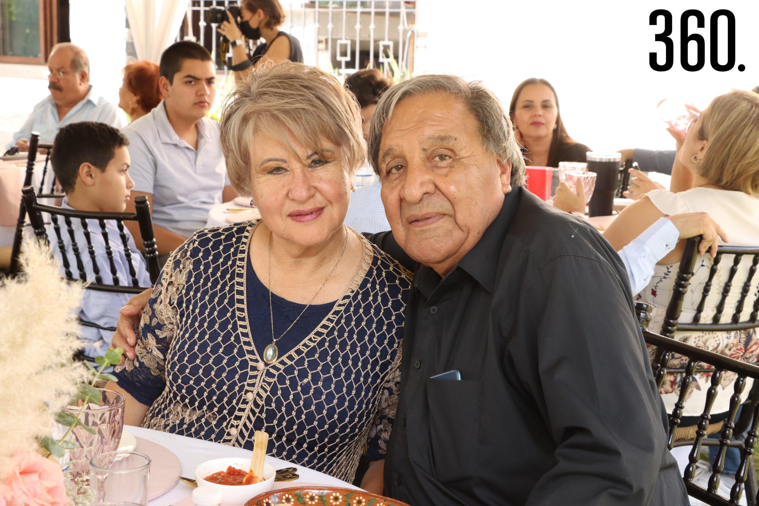 Ernestina Ramírez y José Ernesto Hernández, abuelitos de Alessa.