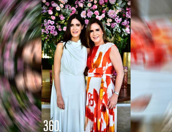 Ana Leticia Chávez Gómez con su mamá Alma Leticia Gómez.
