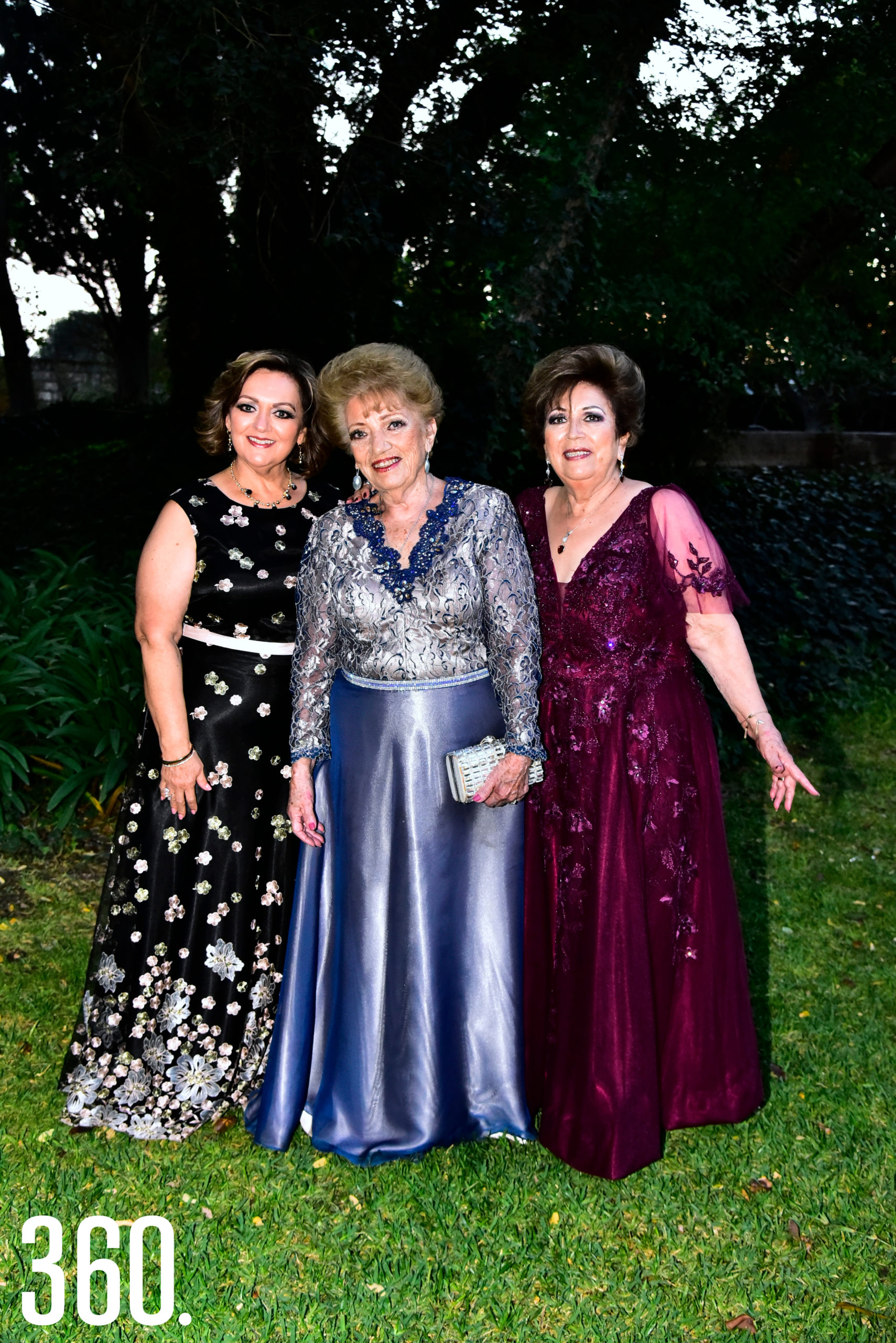 Martha Molina, Guadalupe Aguirre y Nelly Molina.
