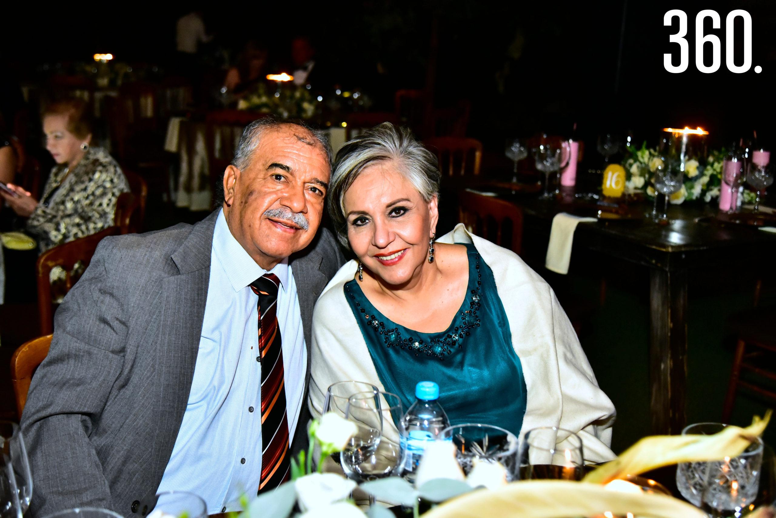 Marco Antonio Alonso y Ana María Berrueto.