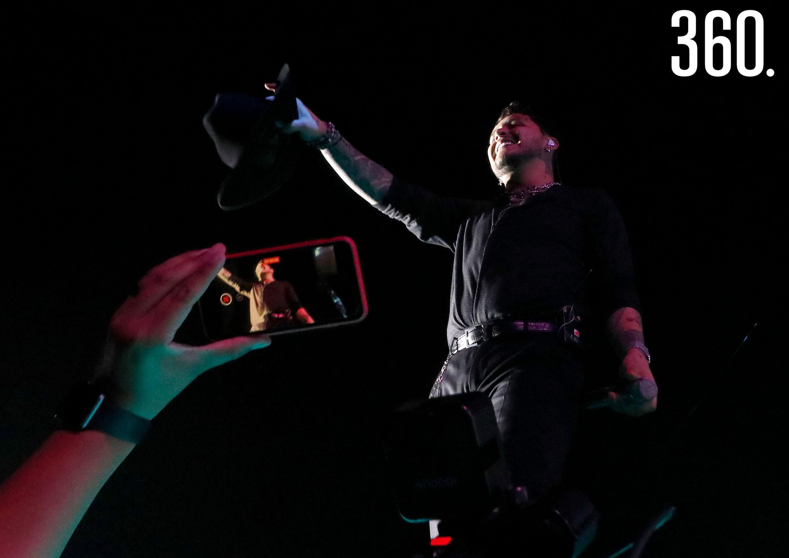 "Christian Nodal. El sonorense Christian Nodal presentó ""AYAYAY!, Tour 2021"", en al Parque de Beisbol ""Francisco I. Madero""."