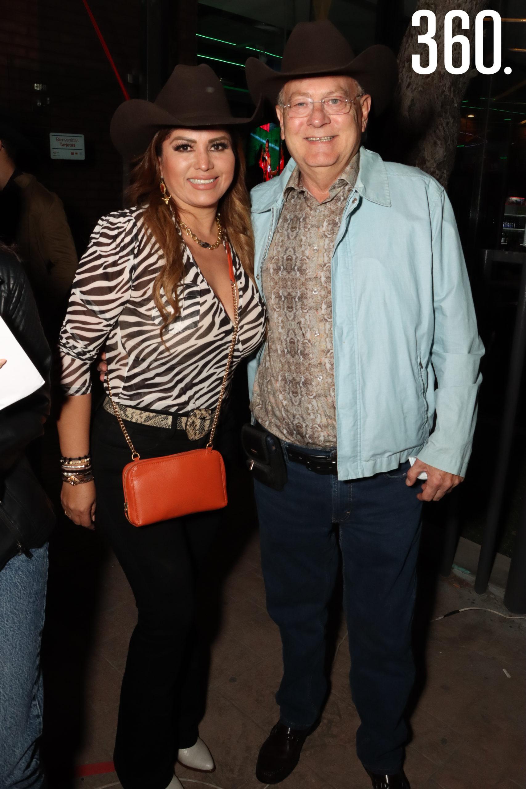 Yadira Gómez y Oscar Bonetti.