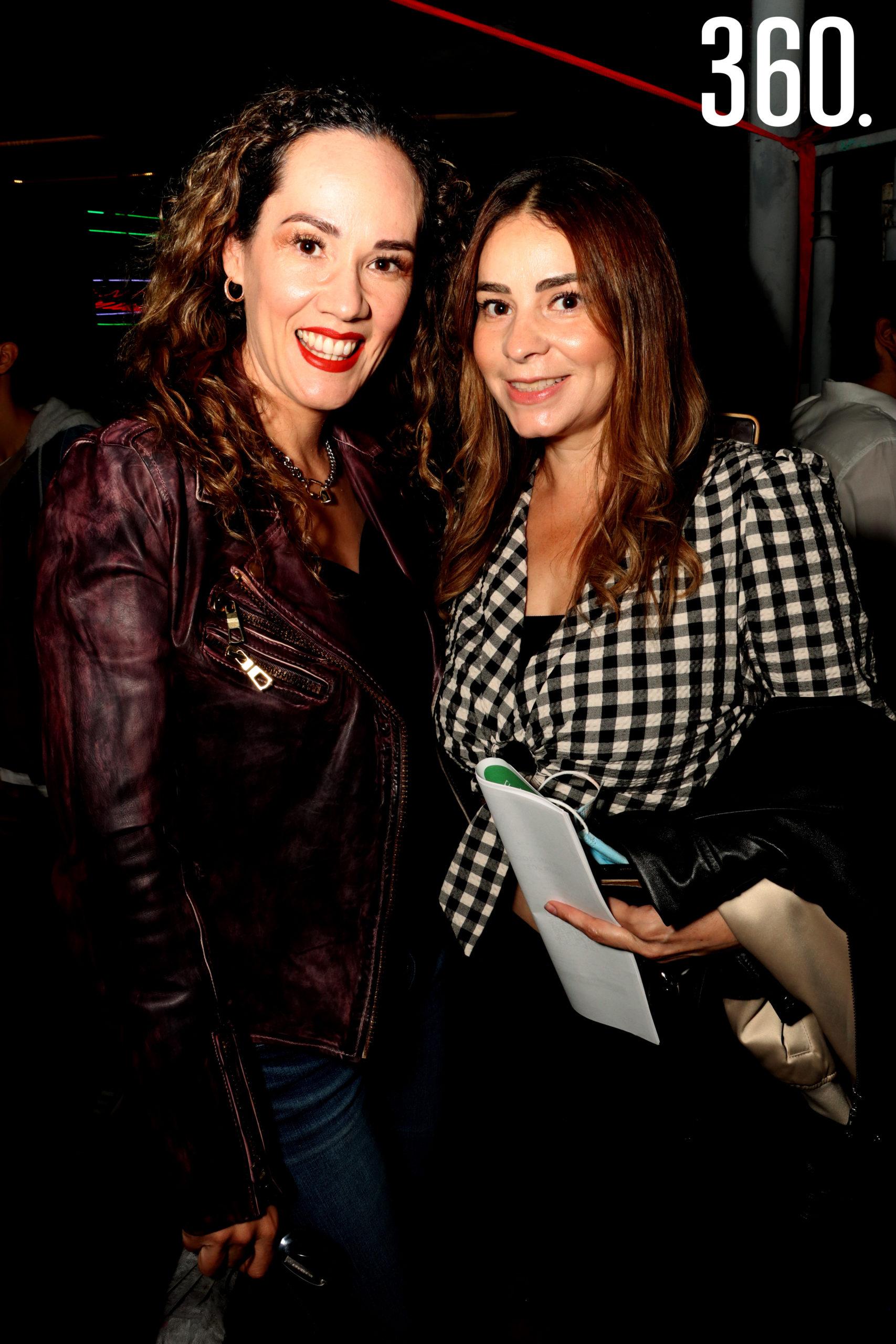 Paola Haro y Mayela Flores.