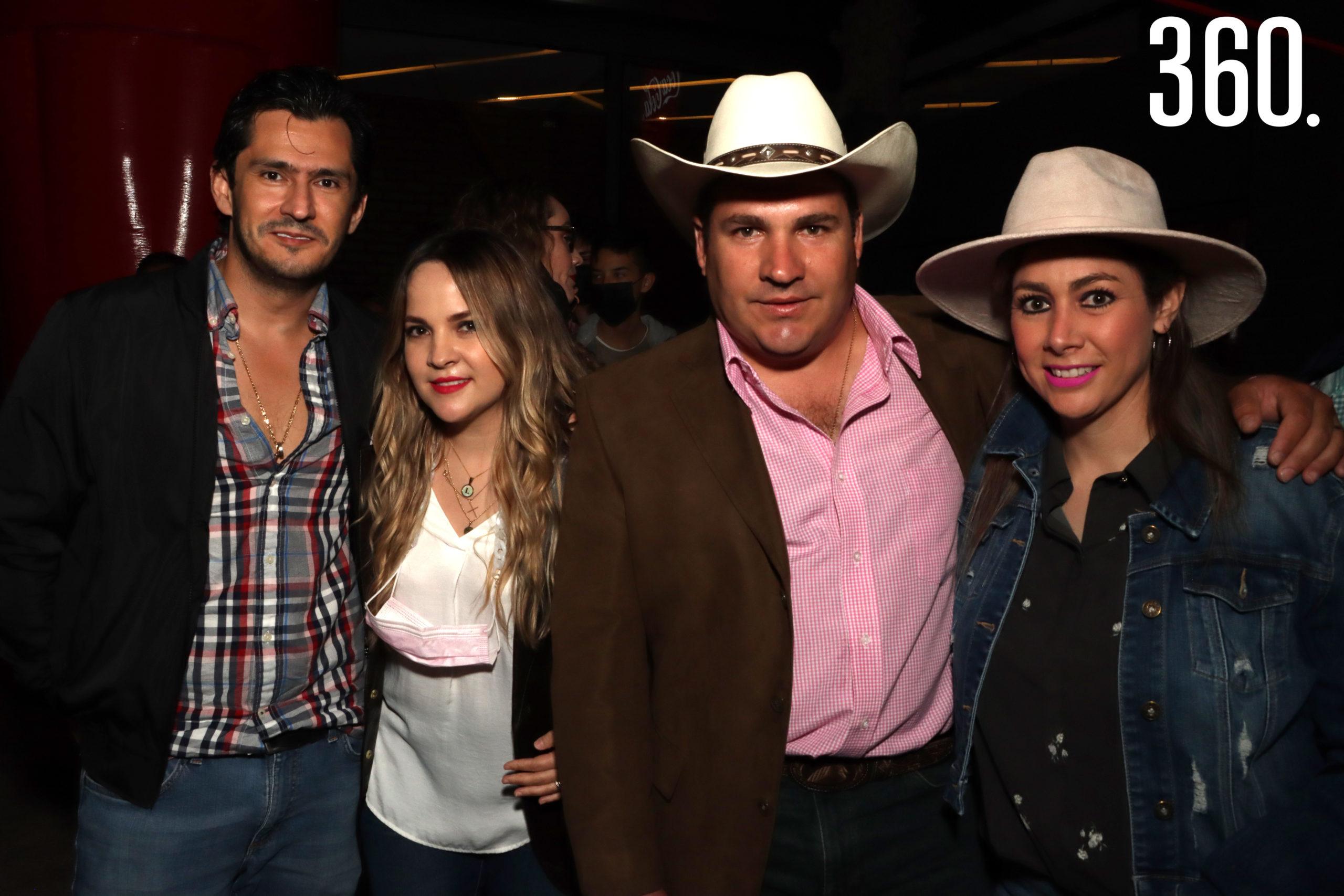 Roberto Polanco, Lily, David y Vero Rodríguez.