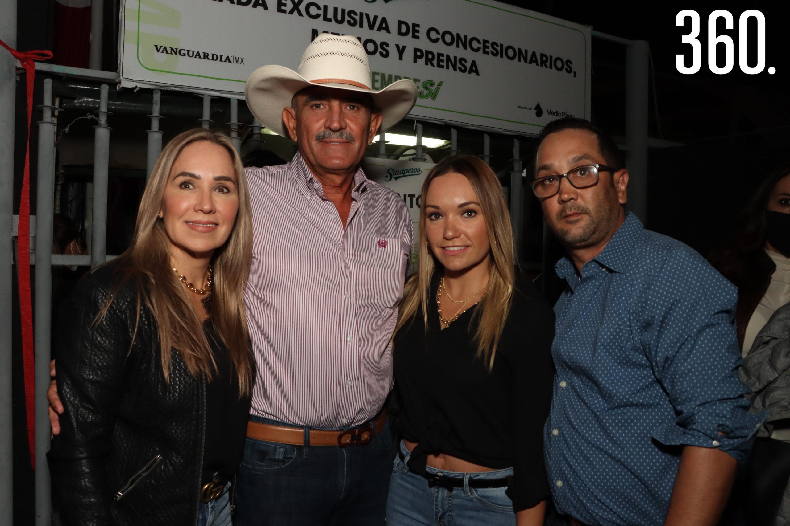 Claudia Cárdenas, David Gutiérrez, Ana Laura Cárdenas y Eduardo Hernández.