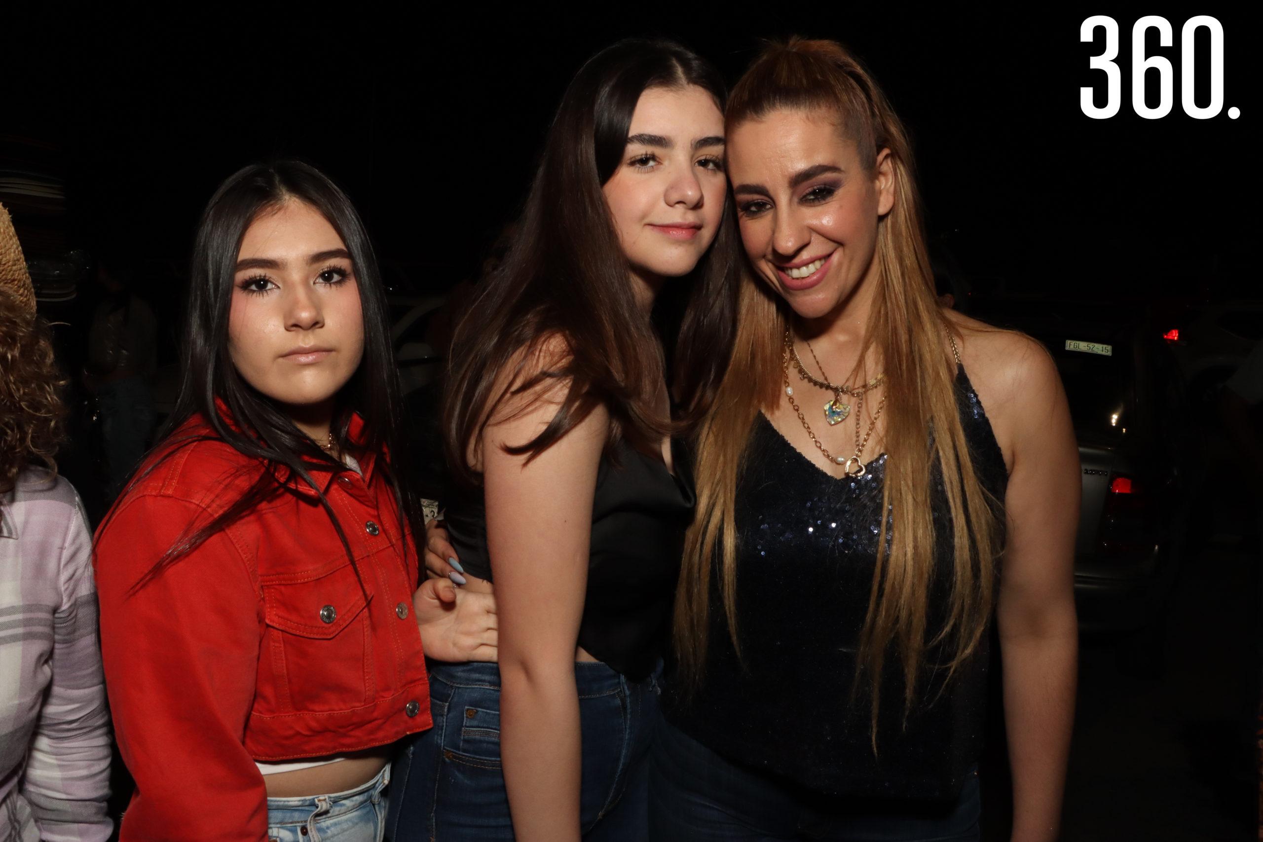 Camila Zuñiga, Georgina Villaseñor y Gina Garza.