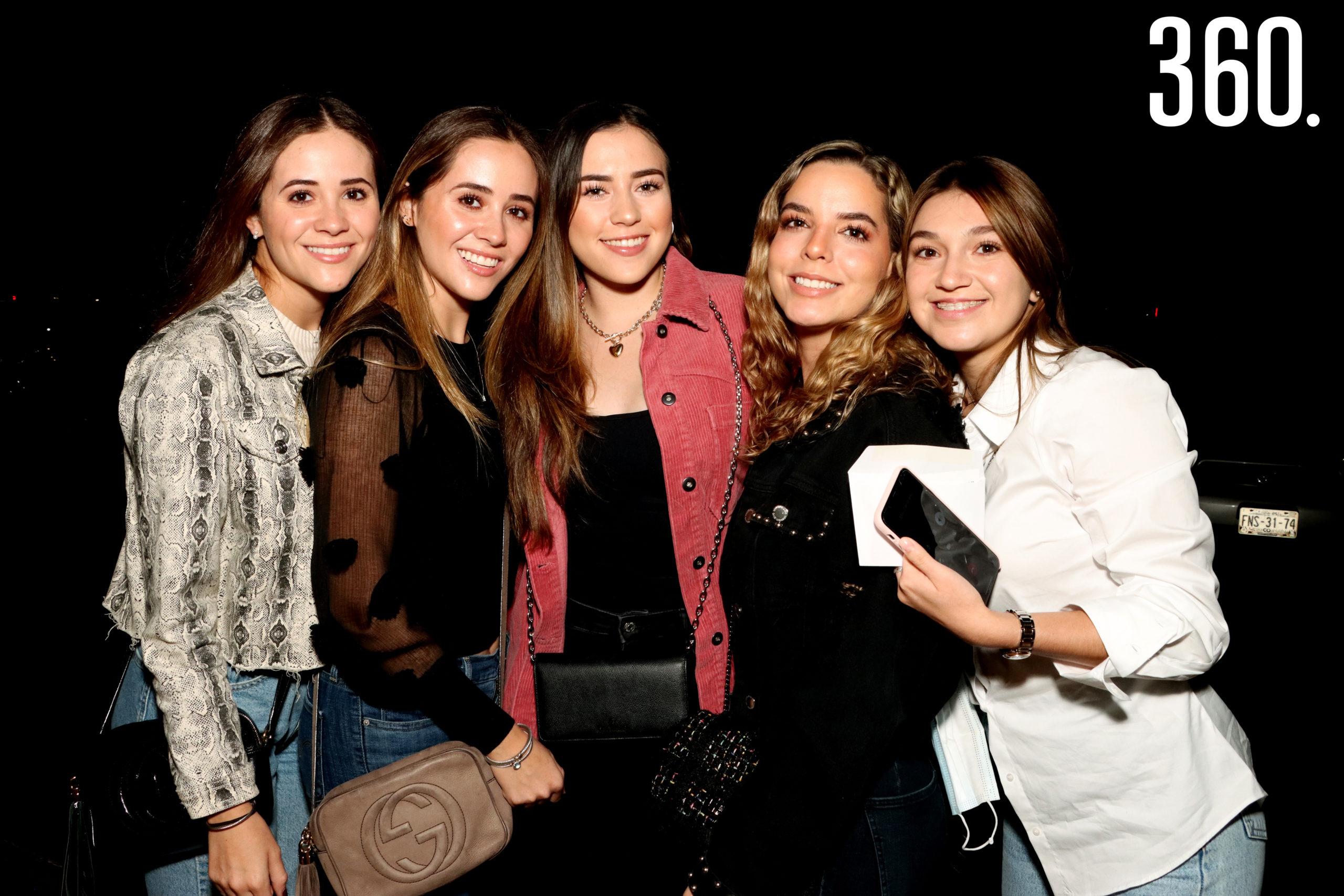 Alana e Izar Muñoz, Isabella Robles, Erika Heat y Fernanda Doguín.