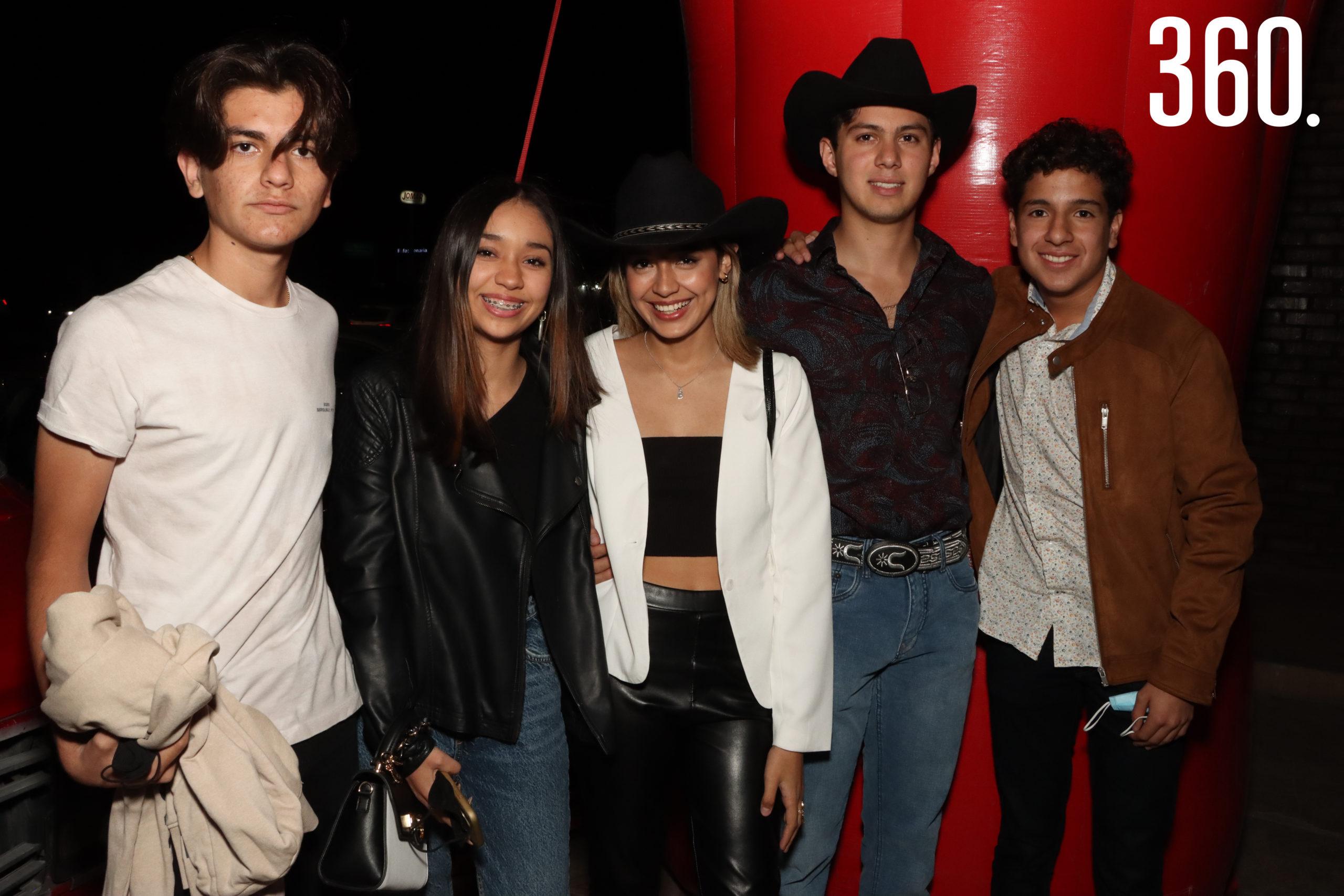Marco Palacios, Mariana González, Daniela Guardiola, Oscar Bonetti y Sebastian Interial.