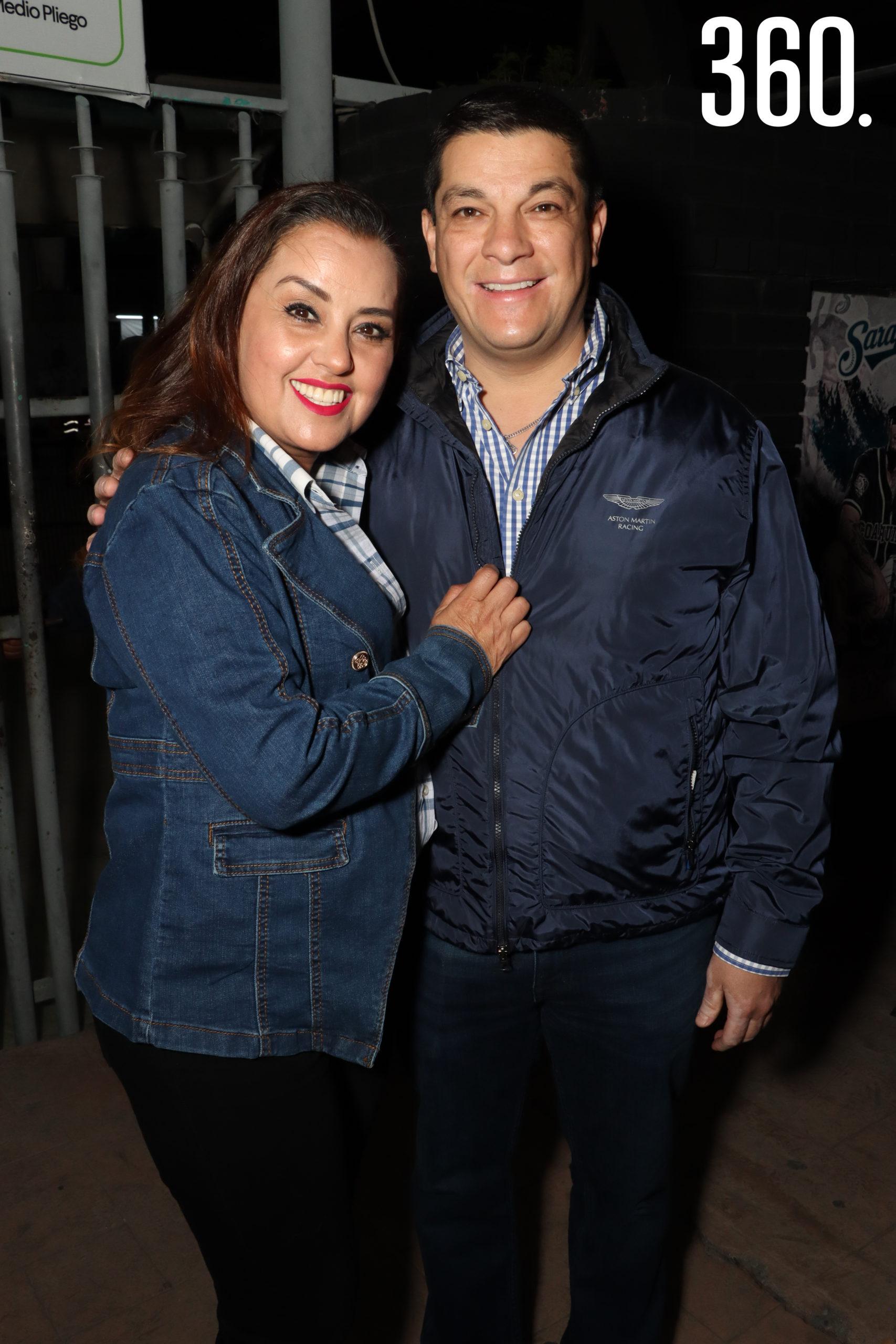 Karina Verduzco y Víctor Campo.
