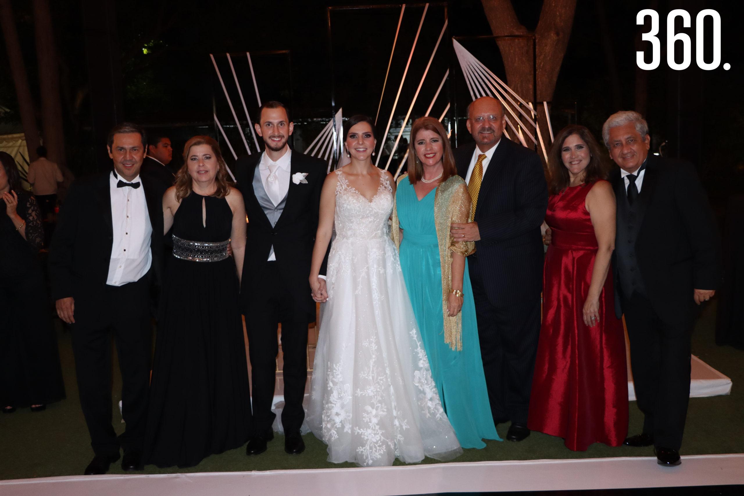 Francisco Chapa, Gabriela Navarro, José Luis Dávila, María José Treviño, María Elisa Barraza, Francisco Montoya, Gabriela de la Garza y Víctor Gutiérrez.