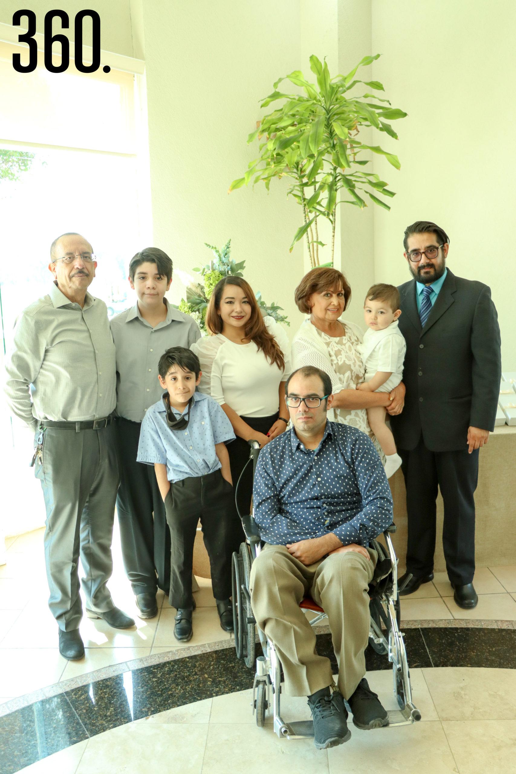 Gregorio Vargas, Jerses Boardman, Damian Vargas, Jaqueline García, Andher Vargas, Gloria Yola Jiménez, Carlos Arturo Woo y Jerses Vargas.