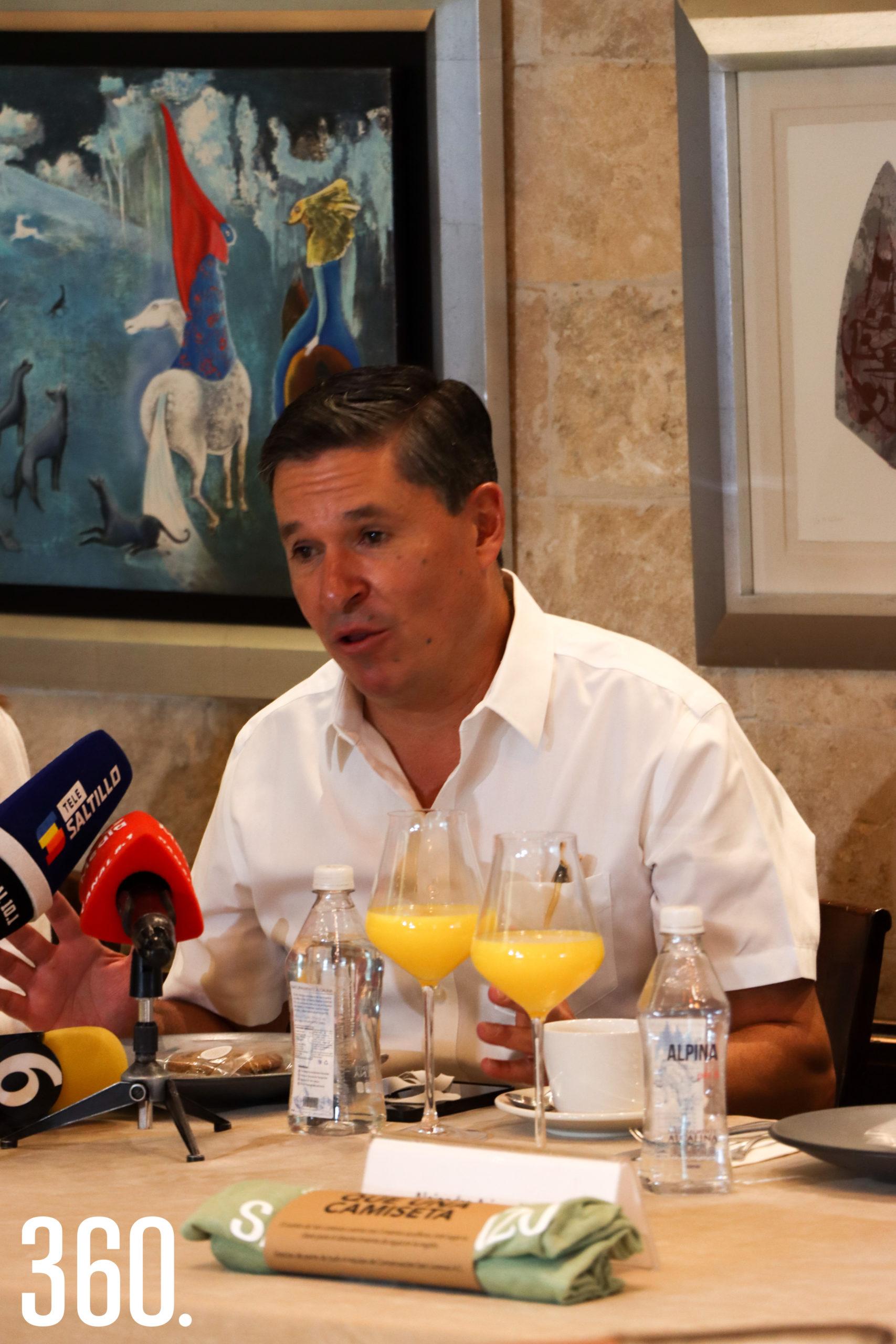 Juan Carlos López.
