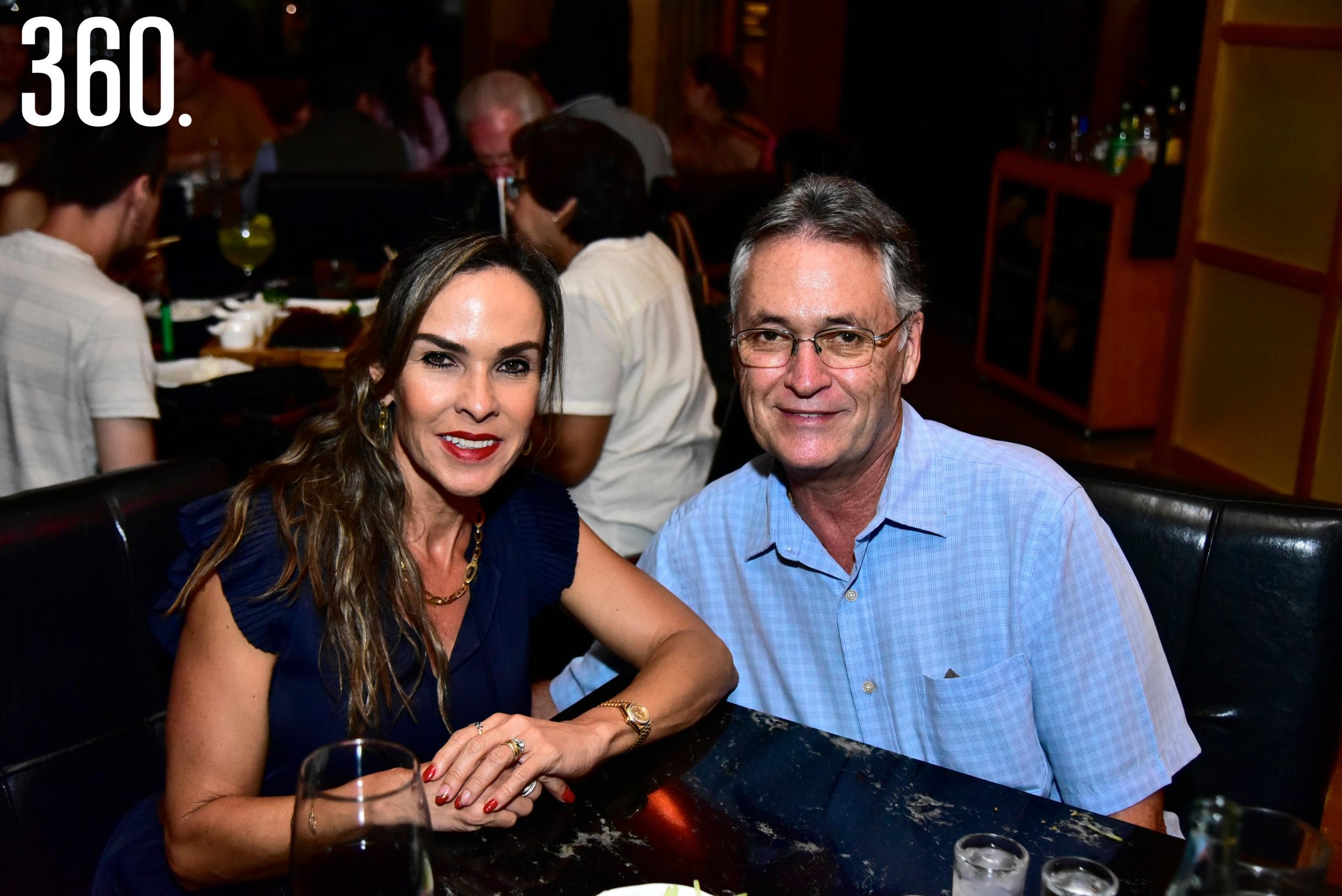 Melissa Moeller y José Luis López.