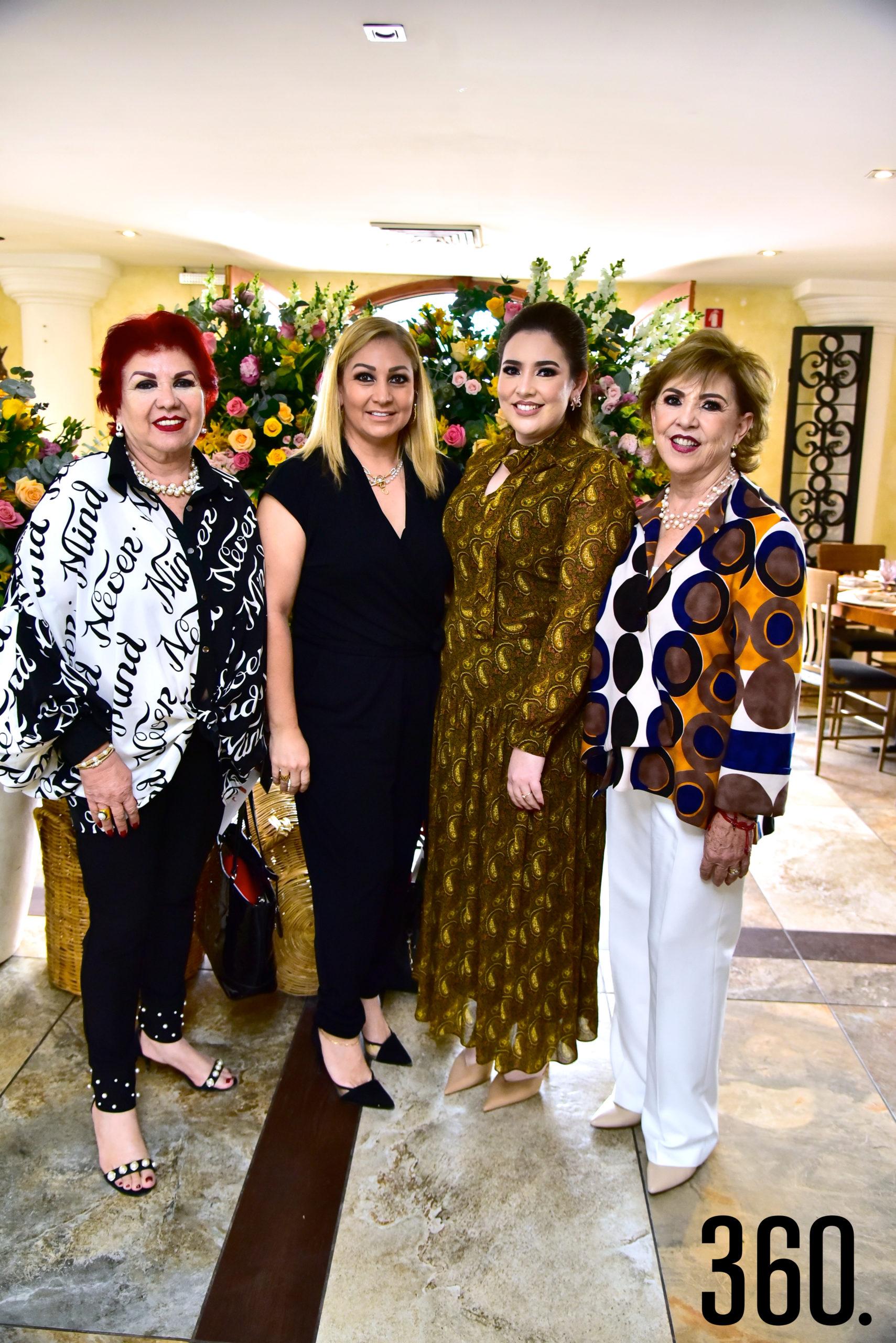 Lili Pérez de Orozco, Claudia Orozco, Samantha Natividad y Leticia Pérez.