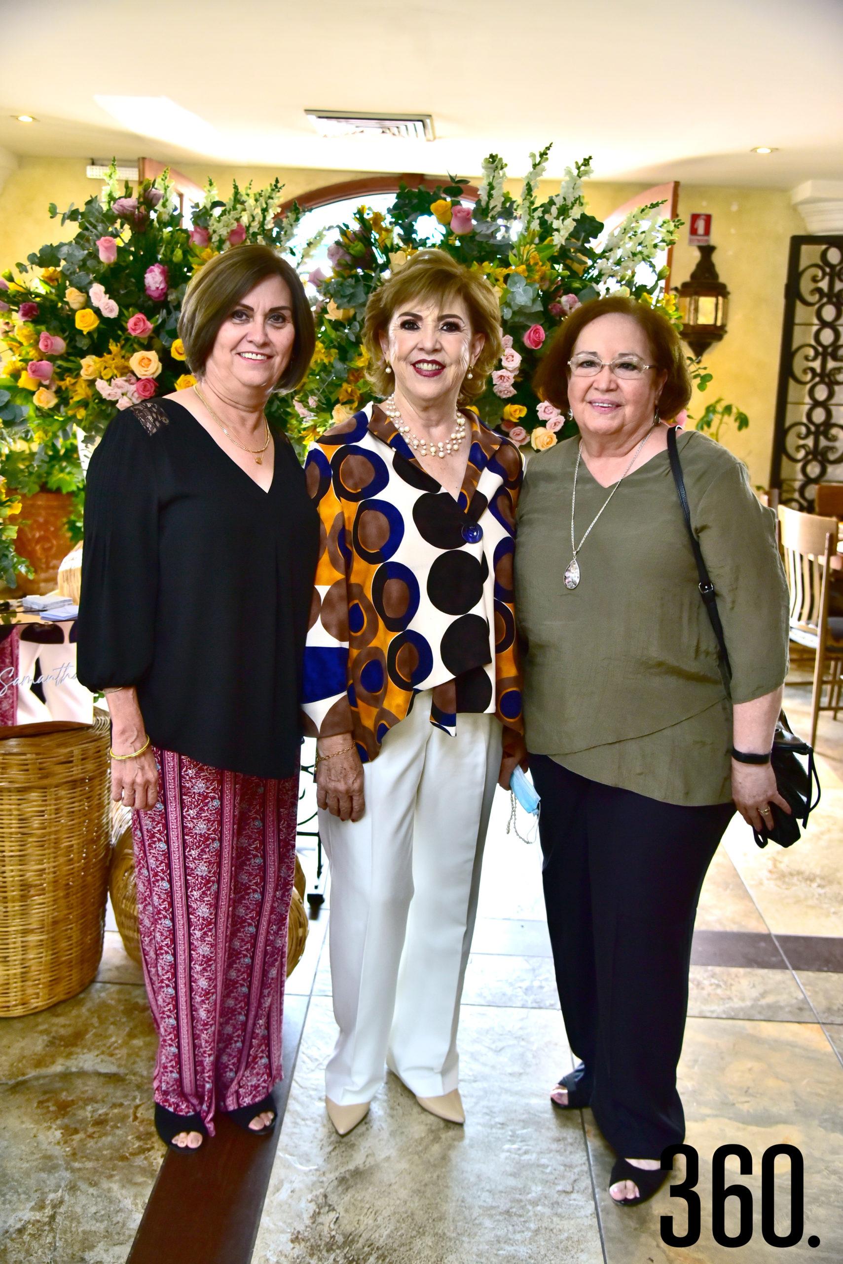 Leonora De Los Santos, Leticia Pérez y Graciela Valdés.