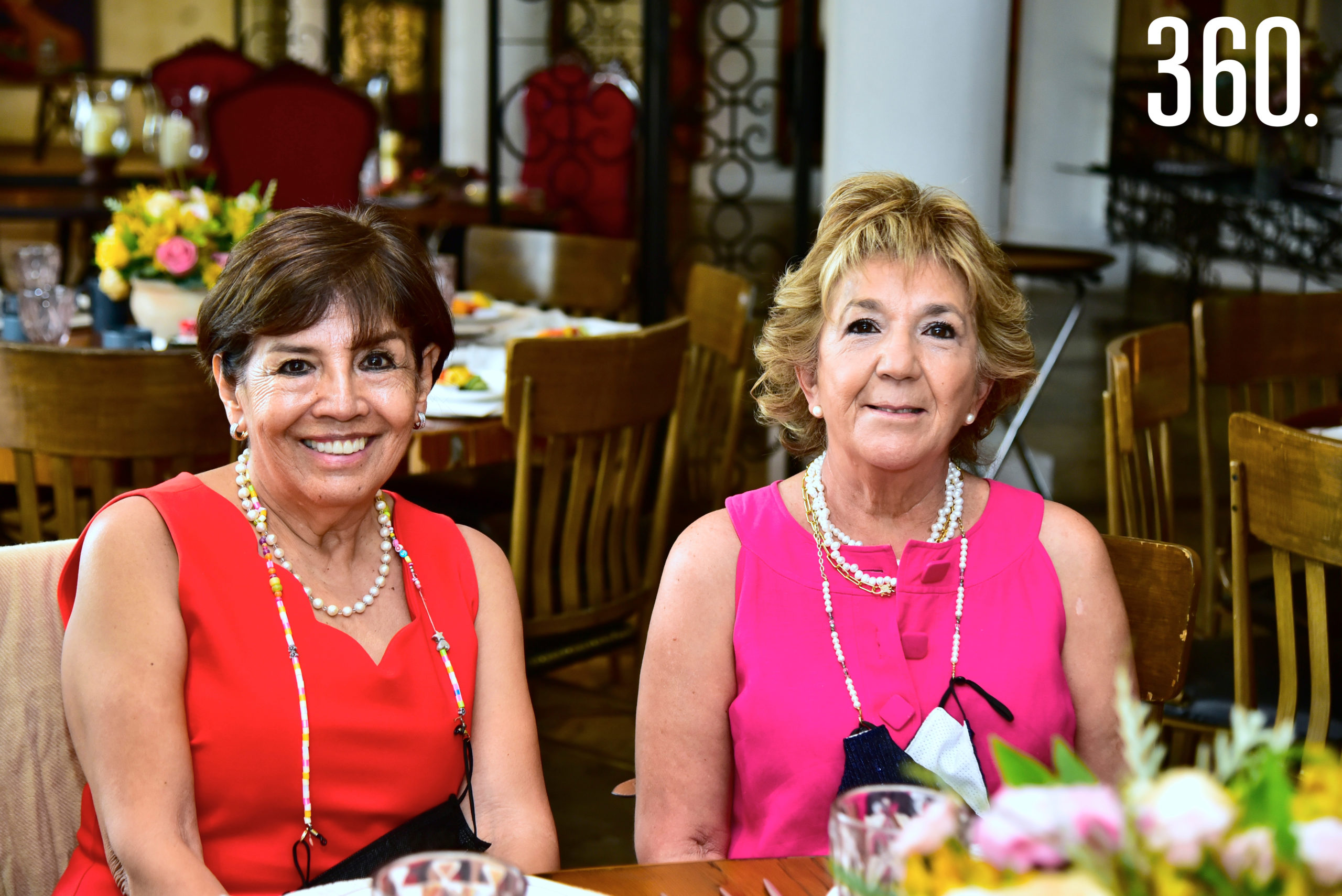 Rosy Fuentes y Chachis Pérez.