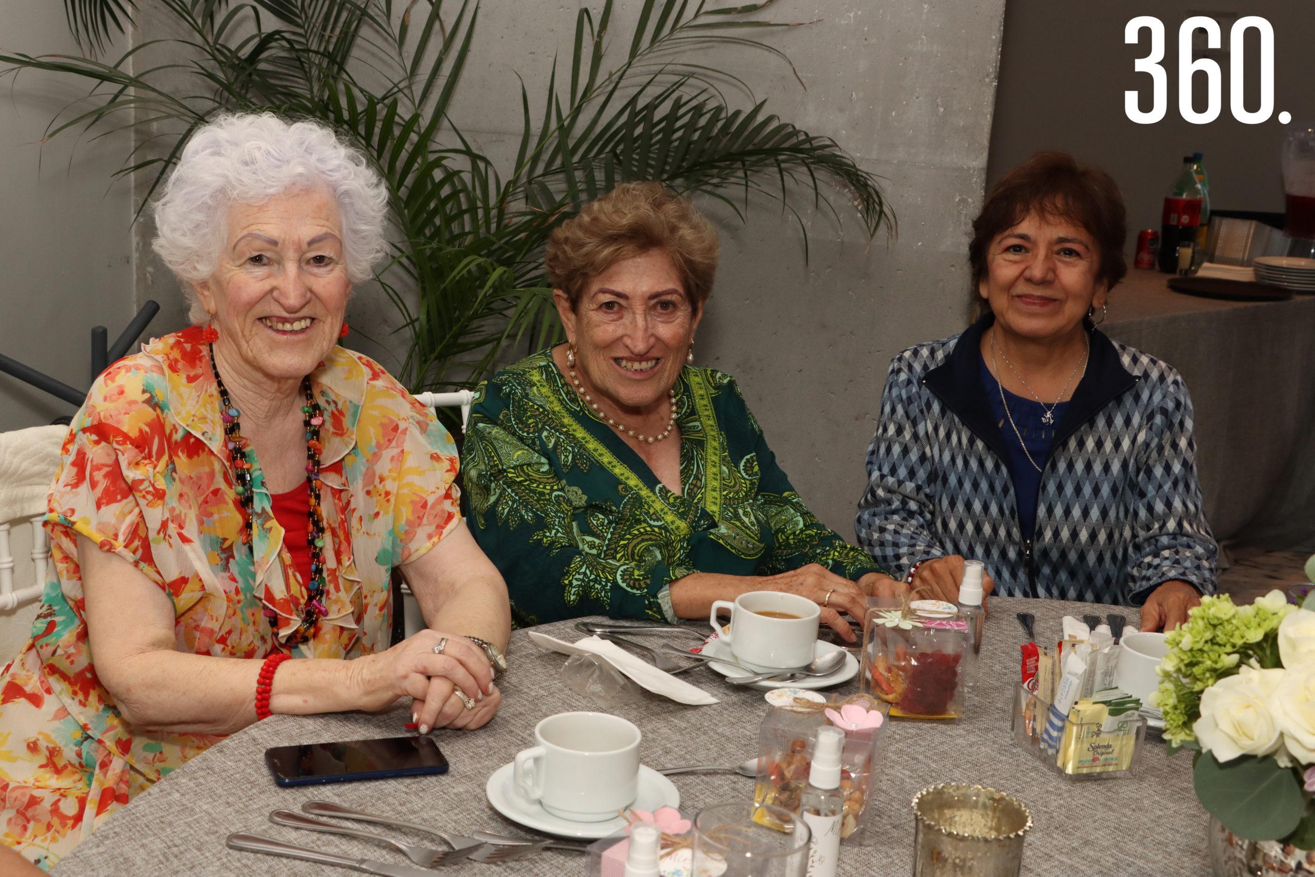 Alicia Zertuche, Beatriz Guajardo y Elsa Valdés.