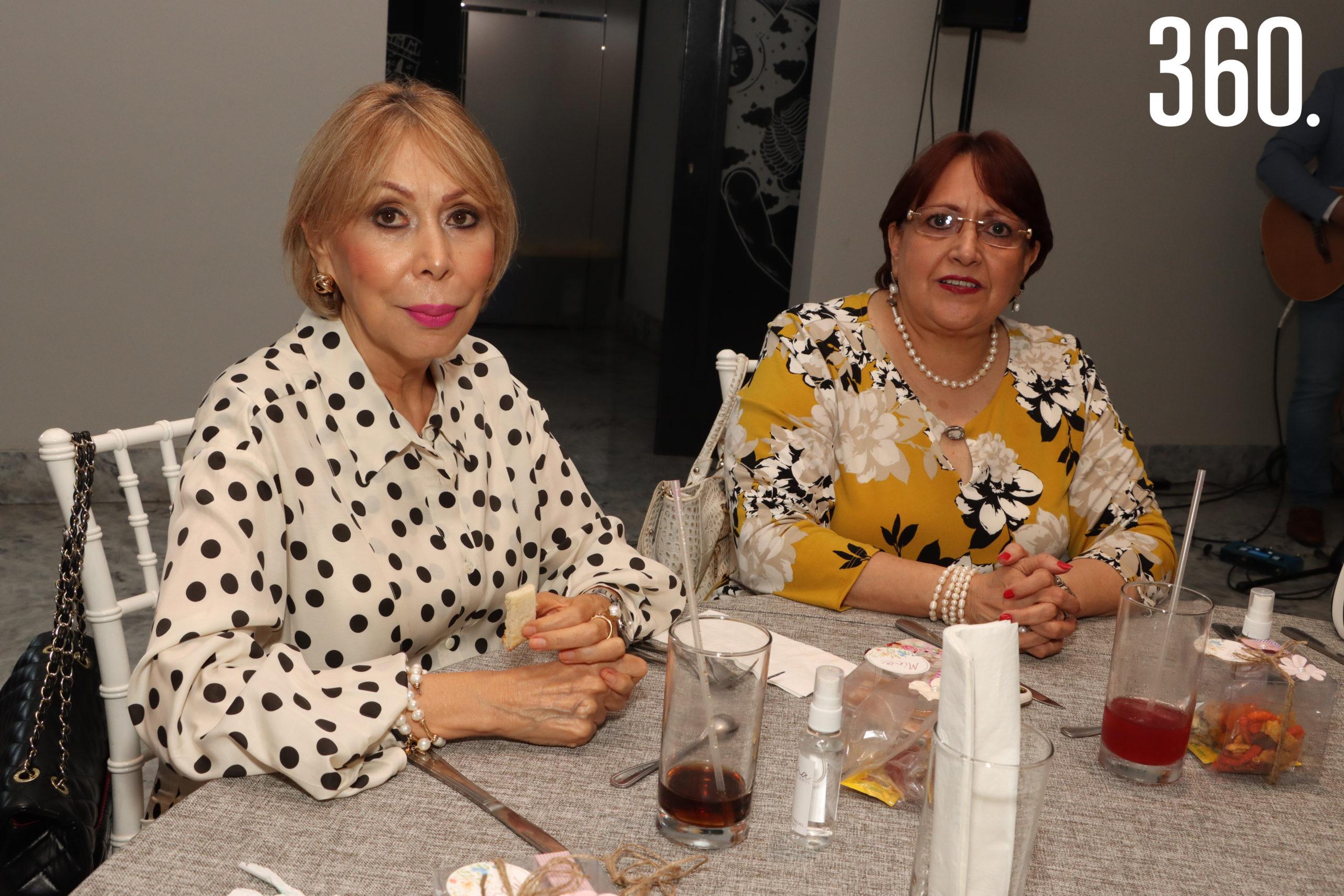 Mary Portillo y Nelly Dávila.