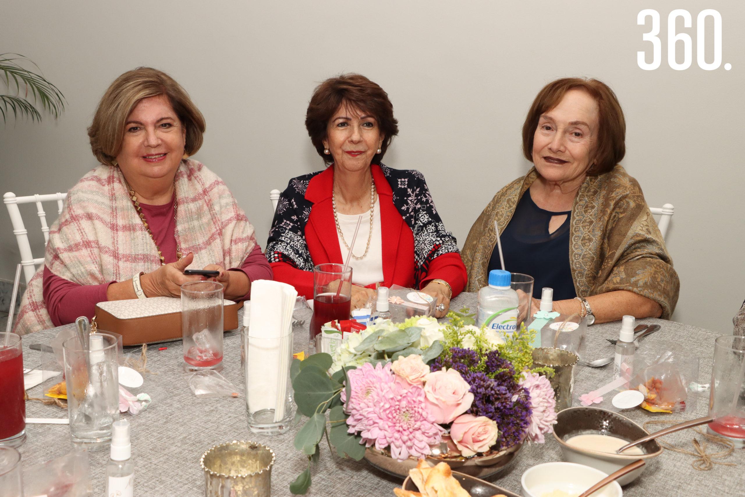 María Eugenia Quintanilla, María Elena de Cabello y Felisa de Guerra