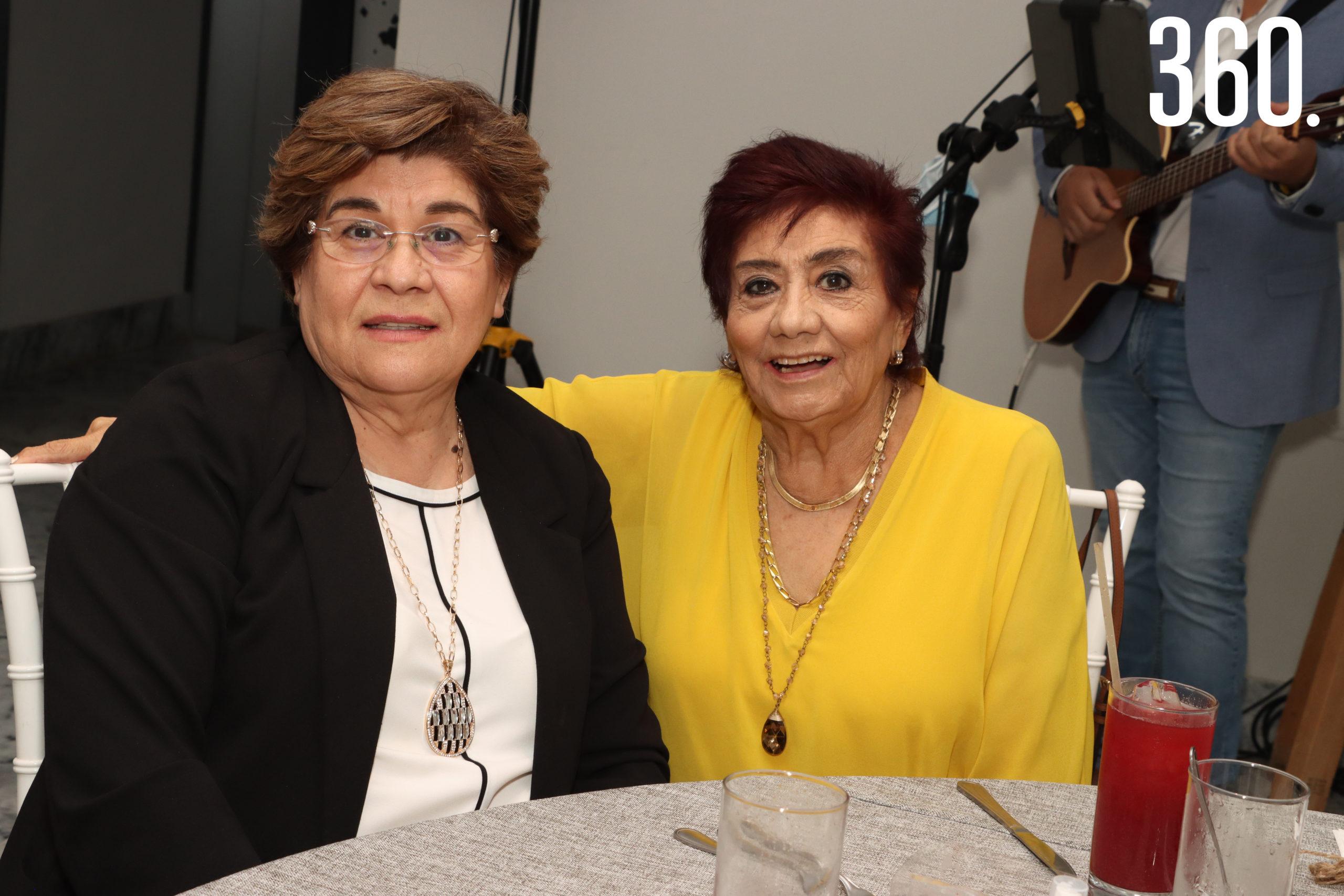 Vange Vidales y Mora Nieto.