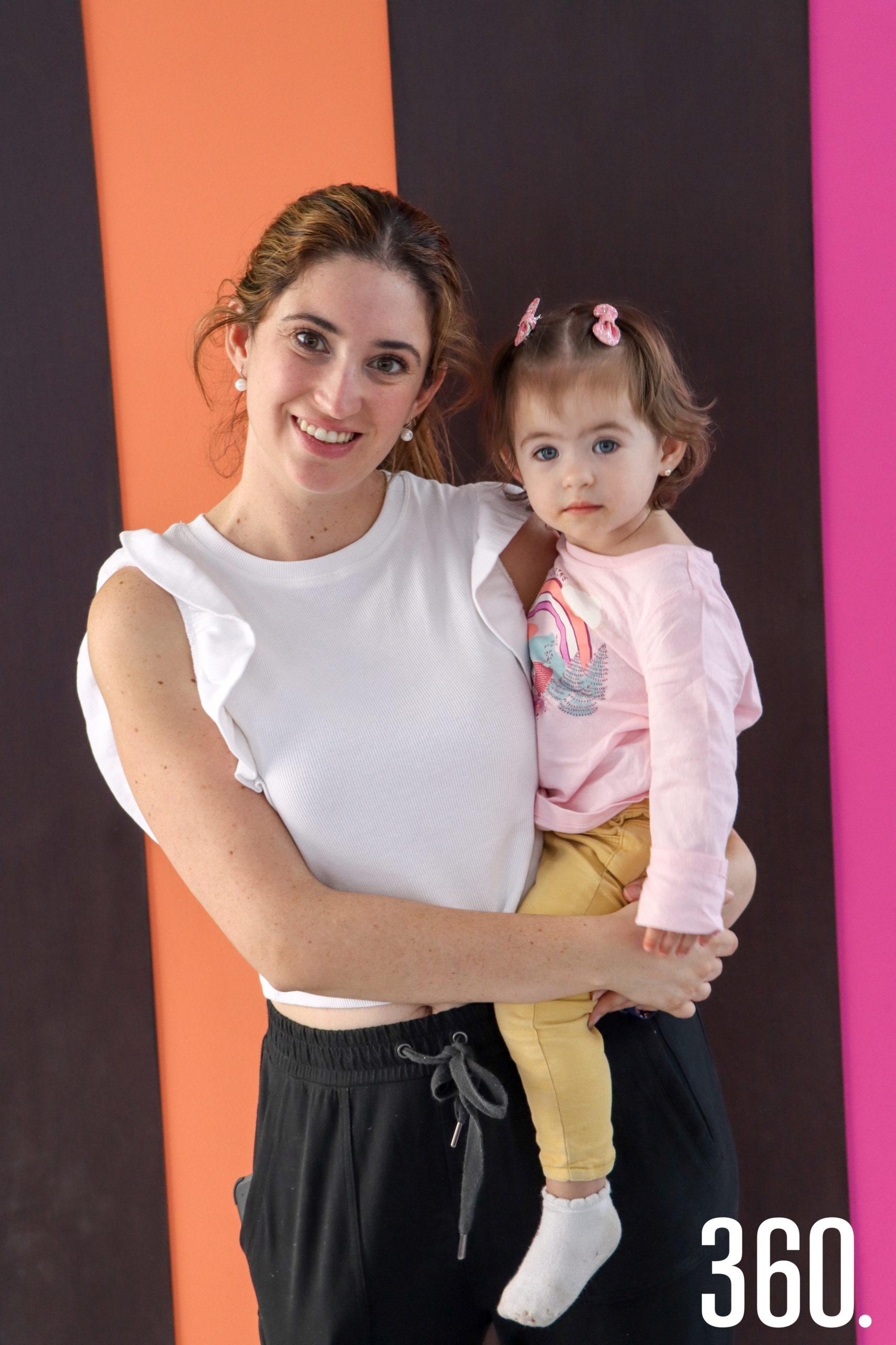 Irma Santoscoy y Eugenia Arizpe.