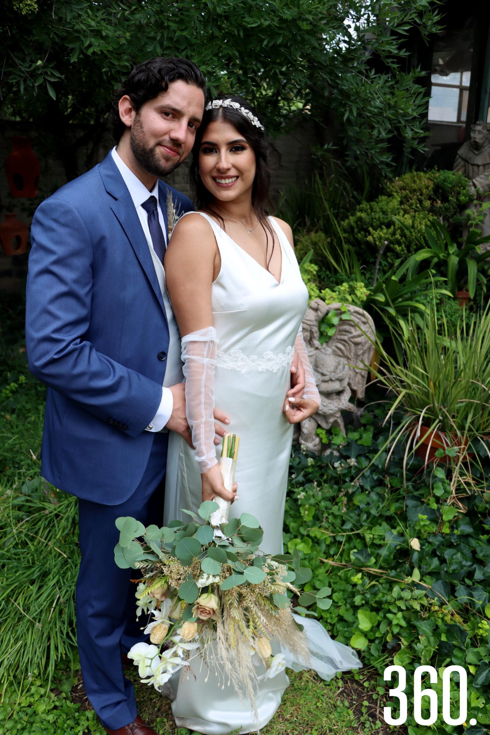 Ricardo Aguirre González y Karen Mijares Berumen recibieron el sacramento matrimonial en la iglesia de San Isidro Labrador en Arteaga, Coahuila.