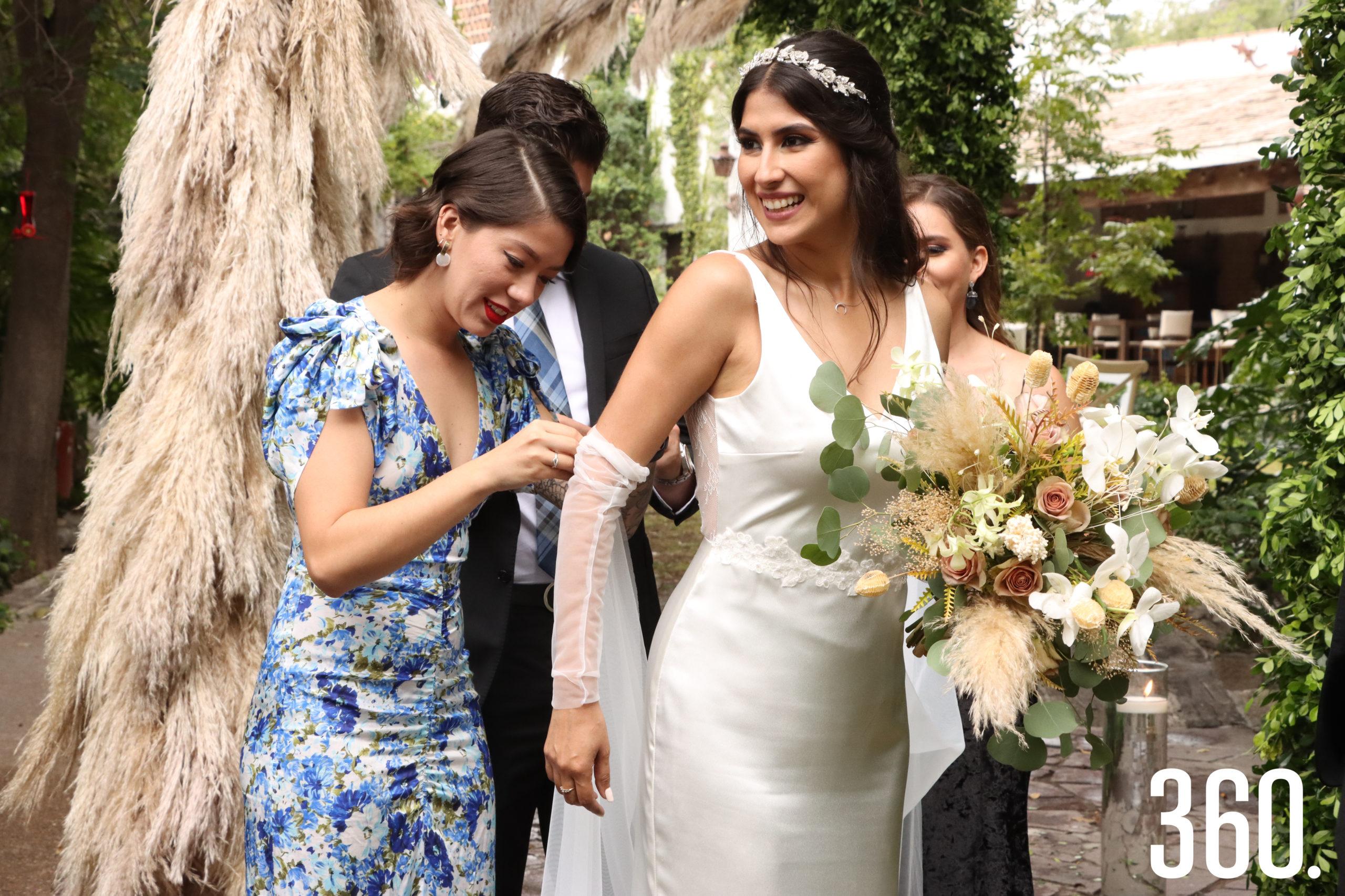 Lucía Farías y Karla Mijares.