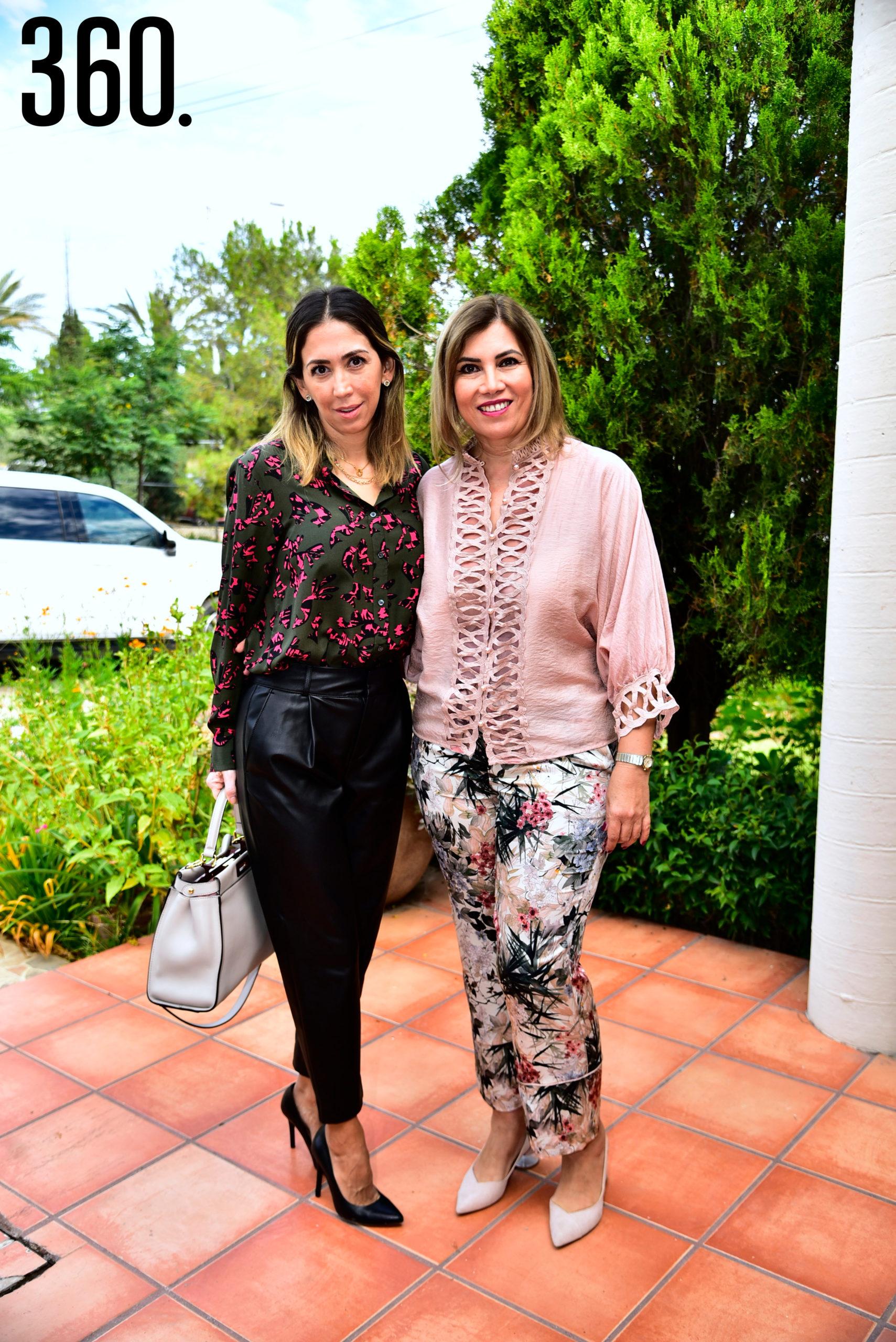 Sara Lozano y Nora Farías.